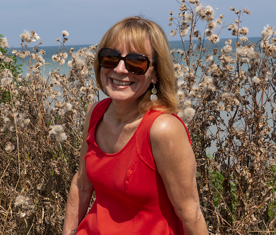Tracy Baranauskas is a life coach who works with with thoughtful women and ignites your passion.
