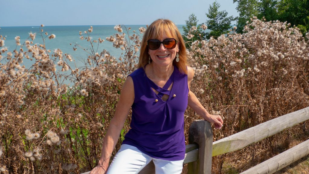 Tracy Baranauskas is a life coach who works with with thoughtful women
